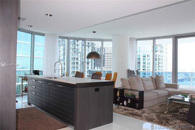 200 Biscayne Boulevard Way #3701, Miami, FL 33131 (MLS #A10711480) :: Ray De Leon with One Sotheby's International Realty
