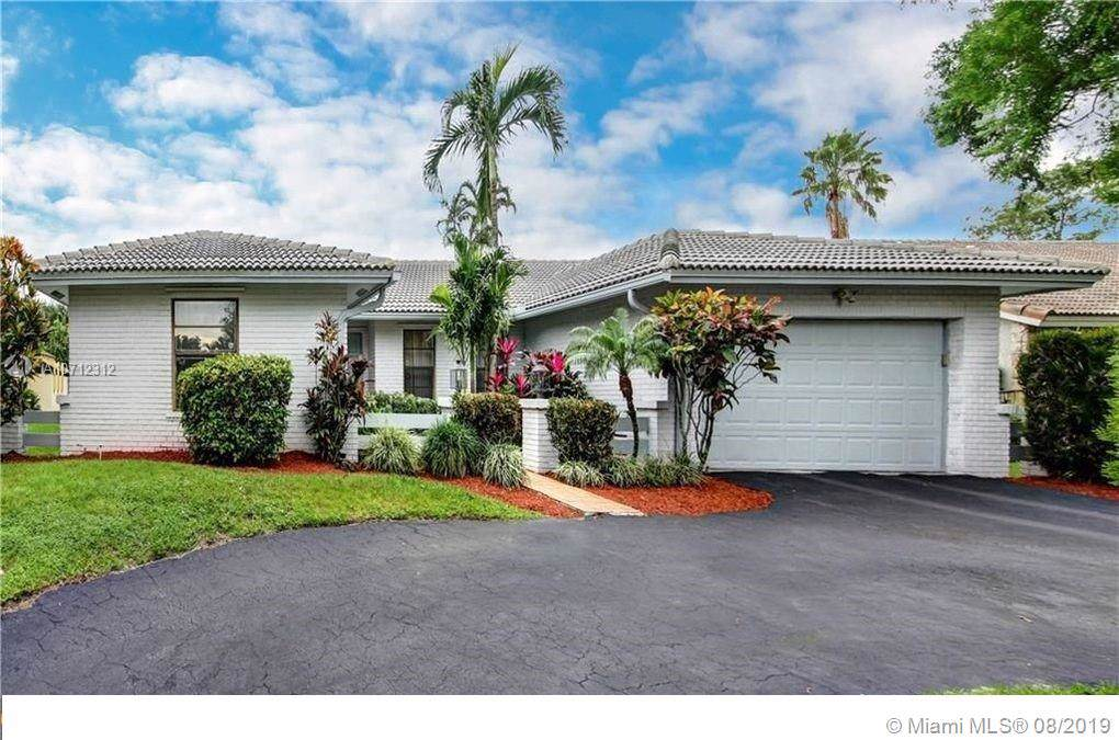 1082 97th Ave - Photo 1