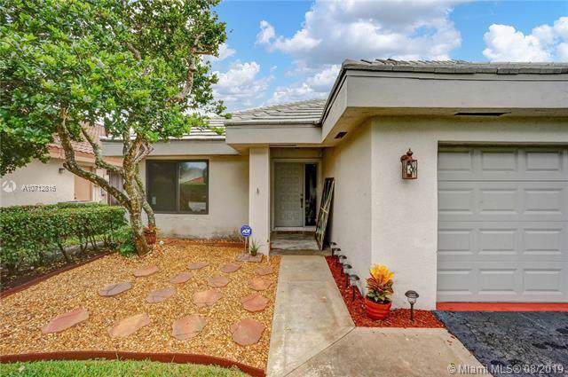 1877 NW 93rd Way, Plantation, FL 33322 (MLS #A10712816) :: The Jack Coden Group