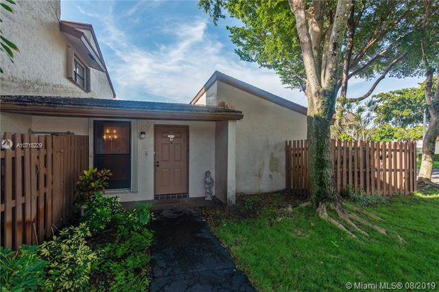 10609 SW 113th Pl 87W, Miami, FL 33176 (MLS #A10715229) :: Berkshire Hathaway HomeServices EWM Realty