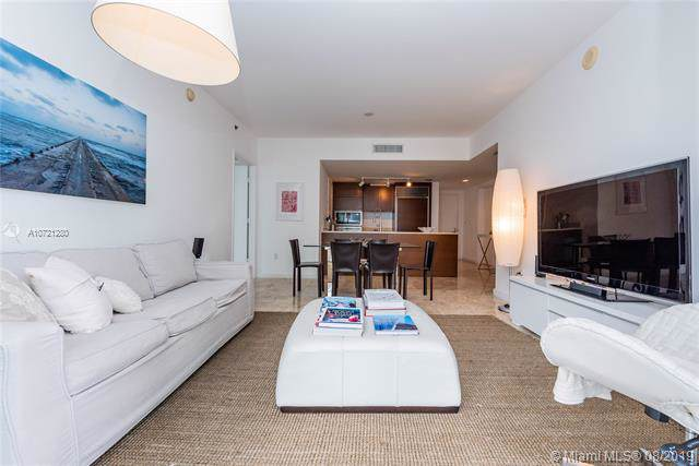 475 Brickell Ave #2113, Miami, FL 33131 (MLS #A10721280) :: The Erice Group