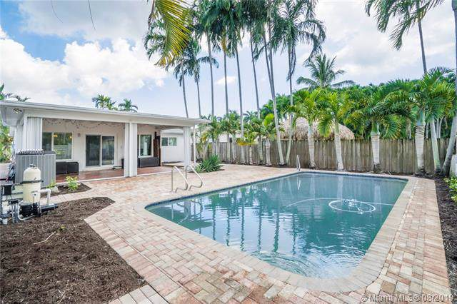 1210 Lincoln St, Hollywood, FL 33019 (MLS #A10722083) :: RE/MAX Presidential Real Estate Group