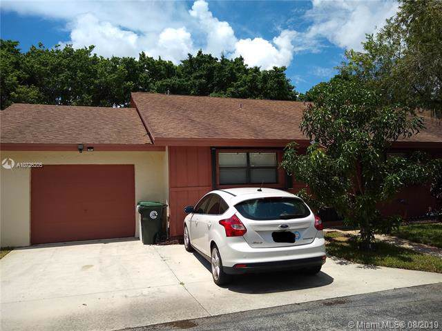 4745 Satinwood Trl, Coconut Creek, FL 33063 (MLS #A10726205) :: Berkshire Hathaway HomeServices EWM Realty