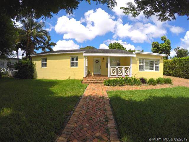 3240 SW 79th Ct, Miami, FL 33155 (MLS #A10729961) :: Ray De Leon with One Sotheby's International Realty