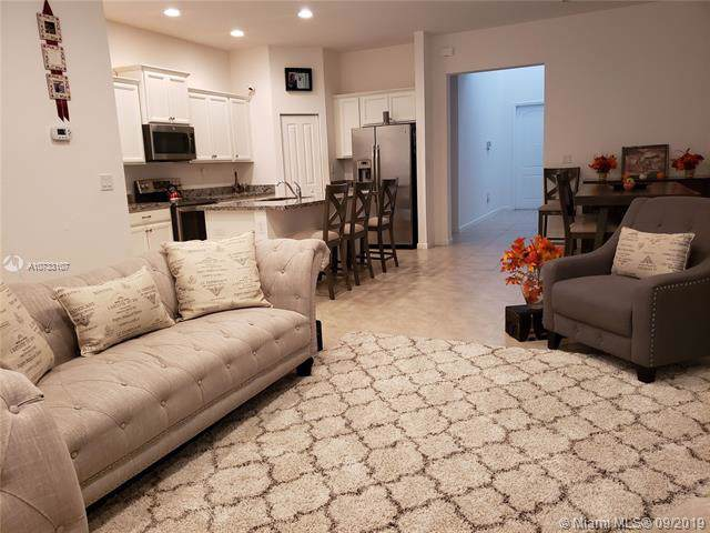 4136 NE 21 CT, Homestead, FL 33033 (MLS #A10733107) :: Berkshire Hathaway HomeServices EWM Realty