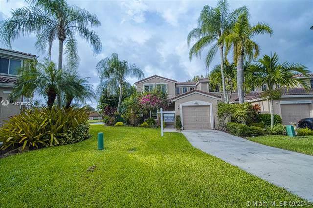 11047 SW 16th Mnr, Davie, FL 33324 (MLS #A10736792) :: Grove Properties