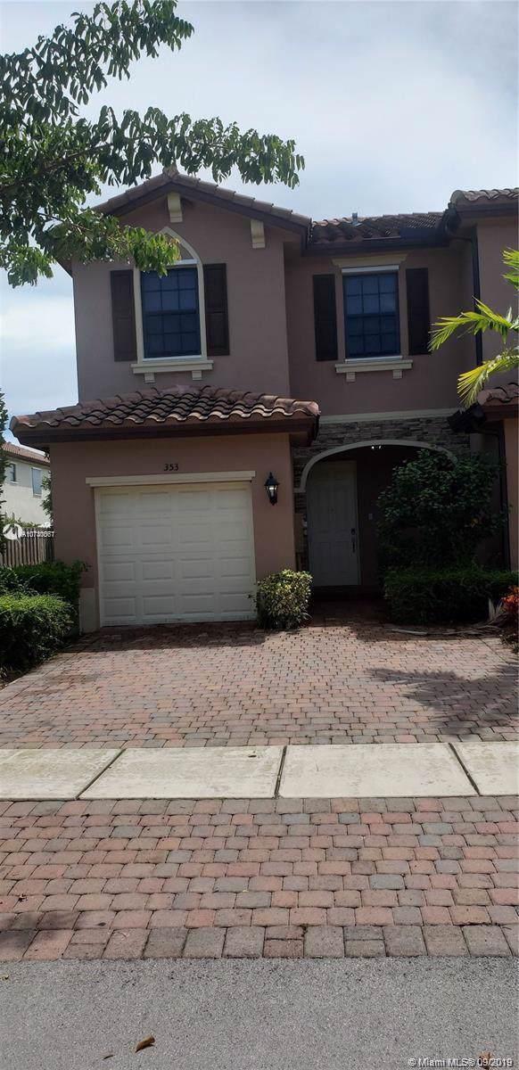 353 SE 37 Ter, Homestead, FL 33033 (MLS #A10740067) :: Berkshire Hathaway HomeServices EWM Realty