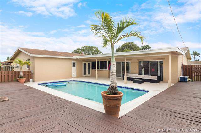 11941 NW 29th St, Sunrise, FL 33323 (MLS #A10746596) :: Ray De Leon with One Sotheby's International Realty