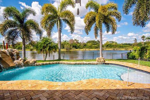 2306 SW 183rd Ter, Miramar, FL 33029 (MLS #A10750469) :: Ray De Leon with One Sotheby's International Realty