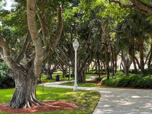 1082 Sequoia Ln, Weston, FL 33327 (MLS #A10778252) :: Grove Properties