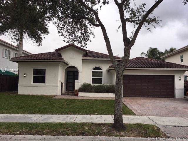11152 NW 71st Ter, Doral, FL 33178 (MLS #A10798729) :: Berkshire Hathaway HomeServices EWM Realty