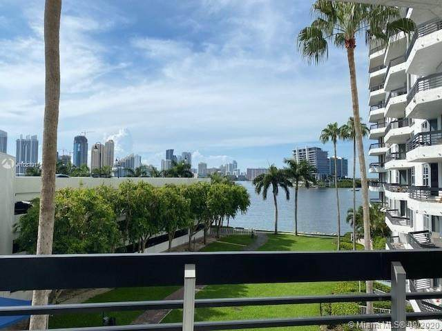 3530 Mystic Pointe Dr #411, Aventura, FL 33180 (MLS #A10879176) :: Berkshire Hathaway HomeServices EWM Realty