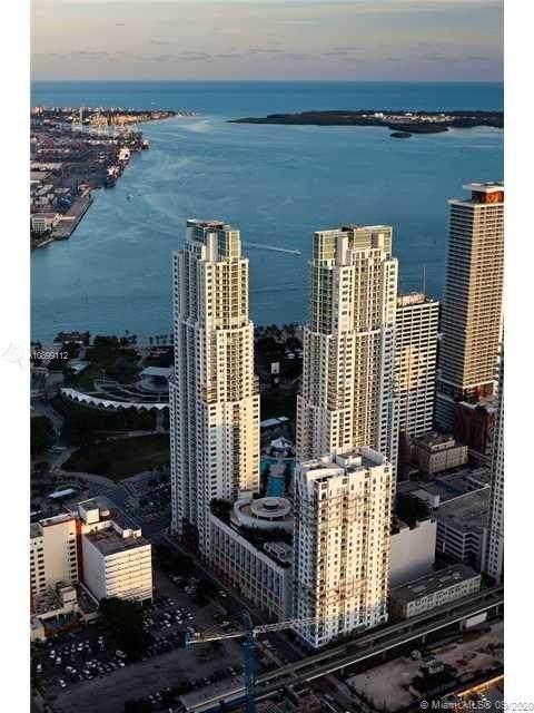 253 NE 2nd St #1704, Miami, FL 33132 (MLS #A10899112) :: Berkshire Hathaway HomeServices EWM Realty