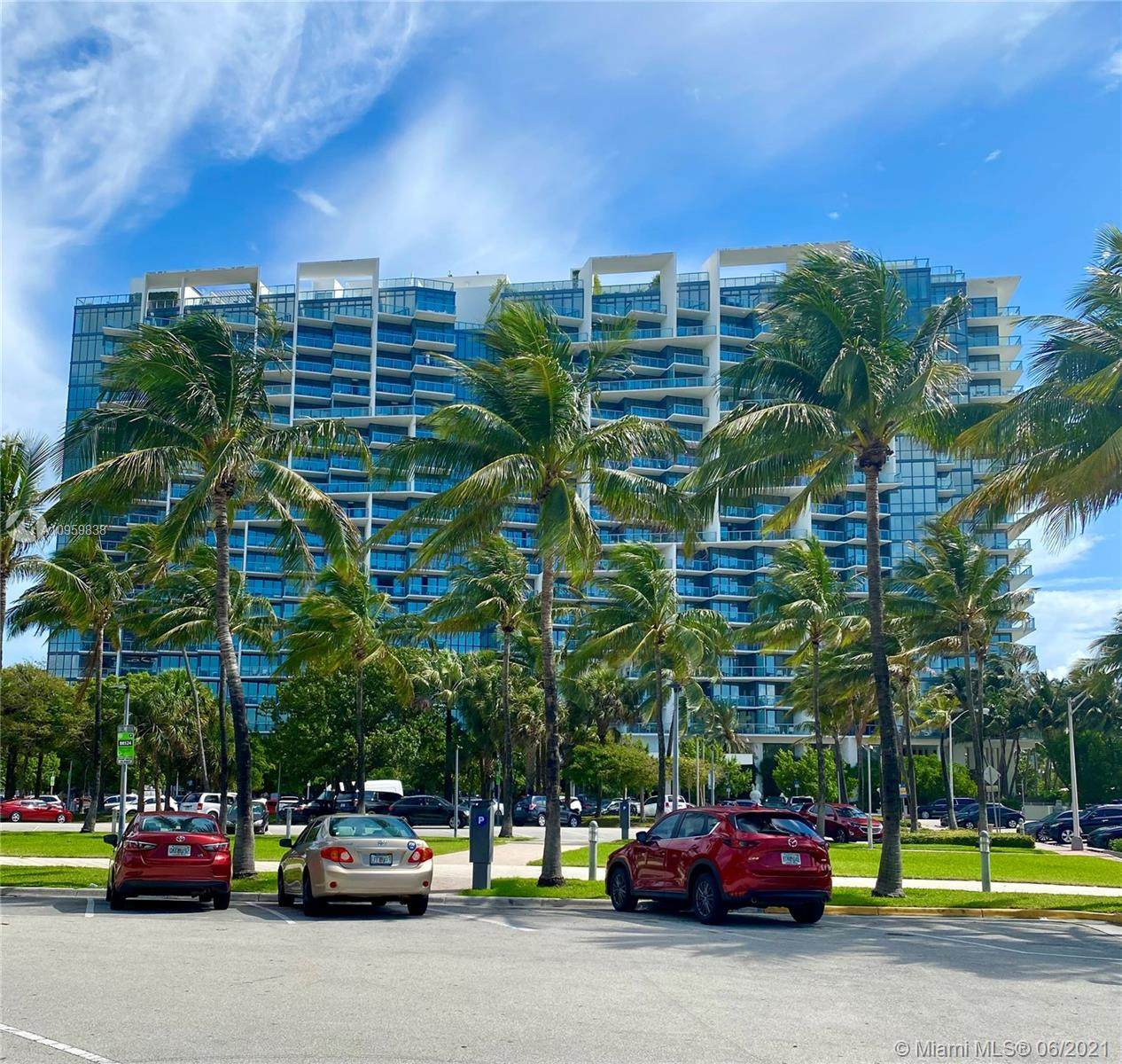 2201 Collins Ave - Photo 1
