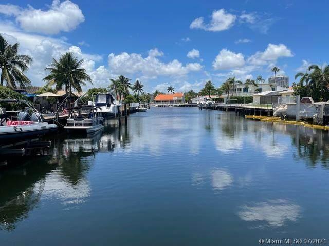 3351 NE 164th St, North Miami Beach, FL 33160 (MLS #A11071513) :: Team Citron