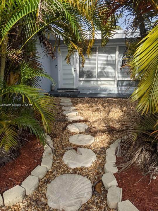 2525 Gulfstream Ln, Fort Lauderdale, FL 33312 (#A11090090) :: Posh Properties