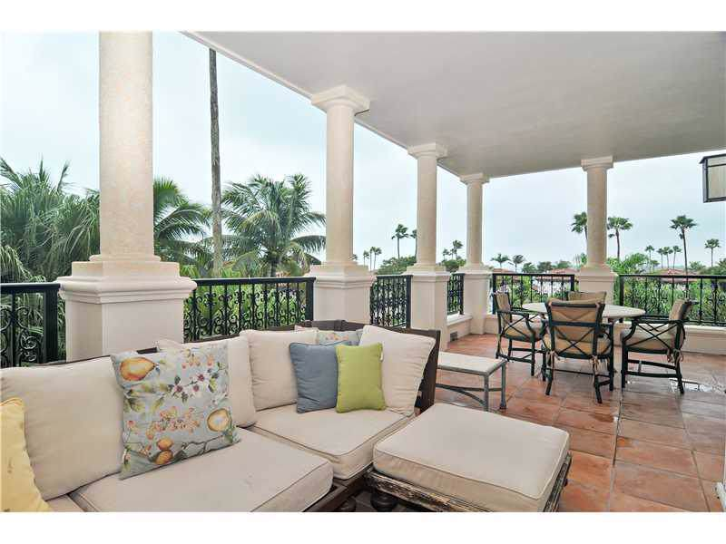 19236 Fisher Island Dr - Photo 1