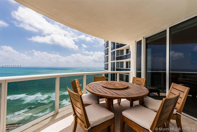 17201 Collins Ave #2908, Sunny Isles Beach, FL 33160 (MLS #A10226581) :: Ray De Leon with One Sotheby's International Realty