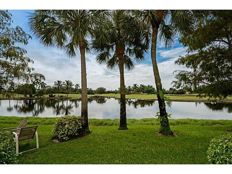 193 SW 96th Ter #193, Plantation, FL 33324 (MLS #A10144994) :: United Realty Group