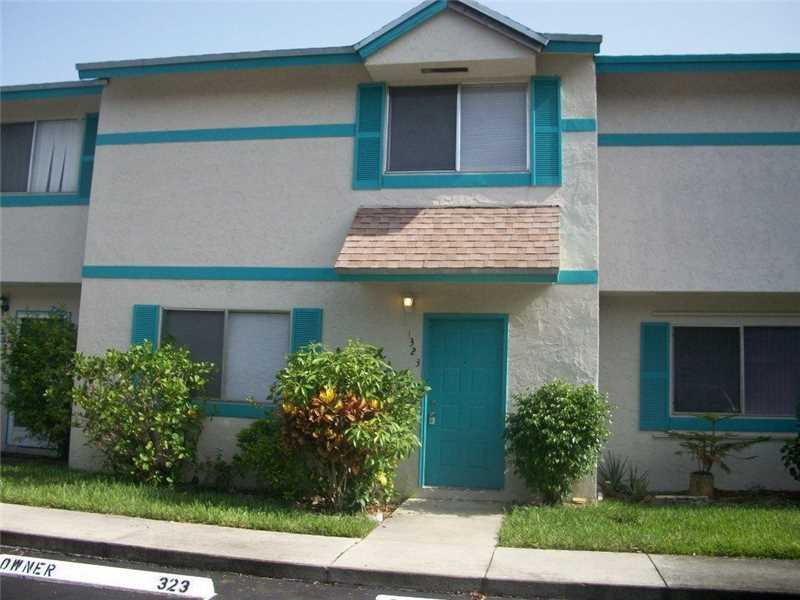 1323 Sussex Dr #1323, North Lauderdale, FL 33068 (MLS #A10147921) :: United Realty Group