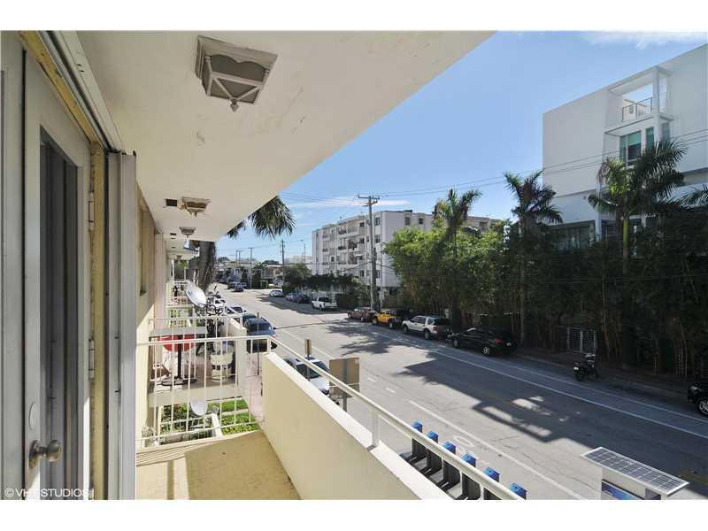 1601 Bay Road #5, Miami Beach, FL 33139 (MLS #A10150258) :: United Realty Group