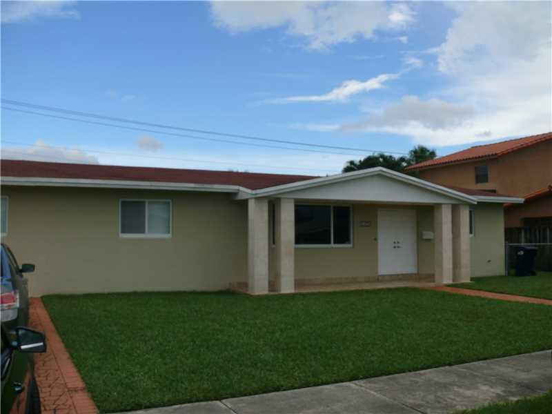 1625 SW 90th Ave, Miami, FL 33165 (MLS #A10155231) :: United Realty Group