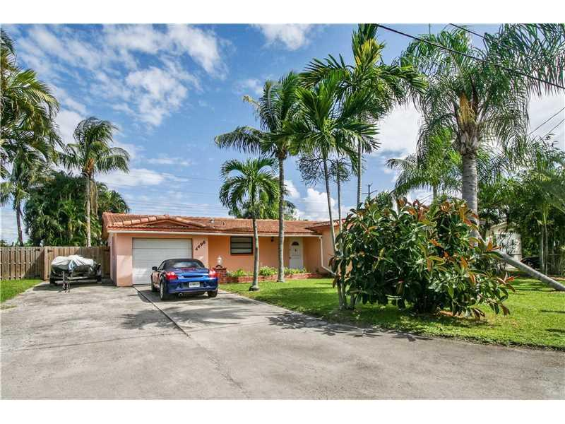 4496 SW 37th Avenue, Fort Lauderdale, FL 33312 (MLS #A10161758) :: United Realty Group