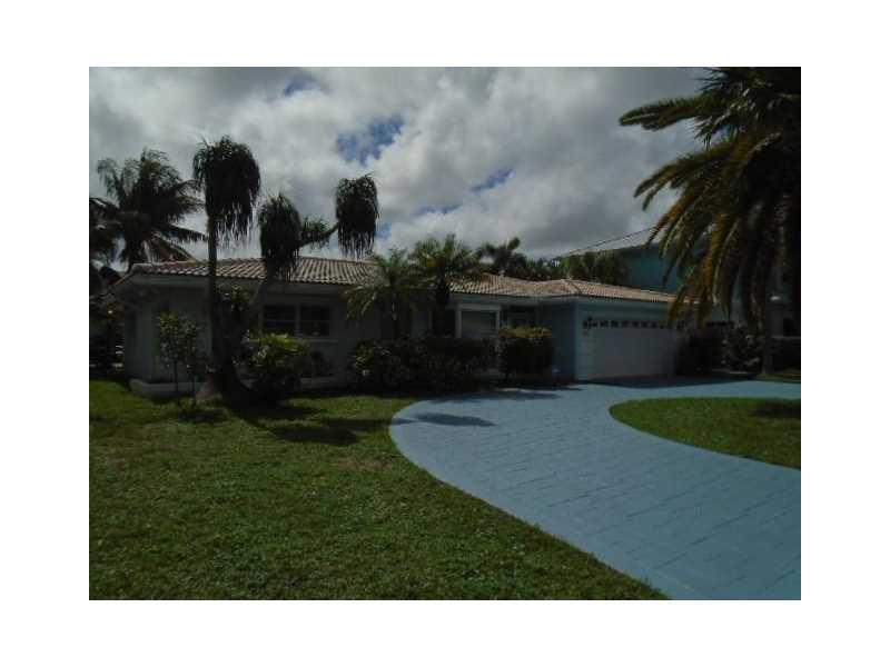 1548 SE 7th Ct, Deerfield Beach, FL 33441 (MLS #A10164622) :: United Realty Group