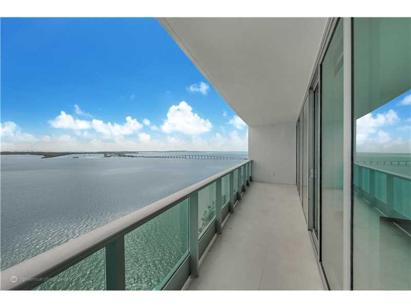 1331 Brickell Bay #2803, Miami, FL 33131 (MLS #A10165994) :: United Realty Group