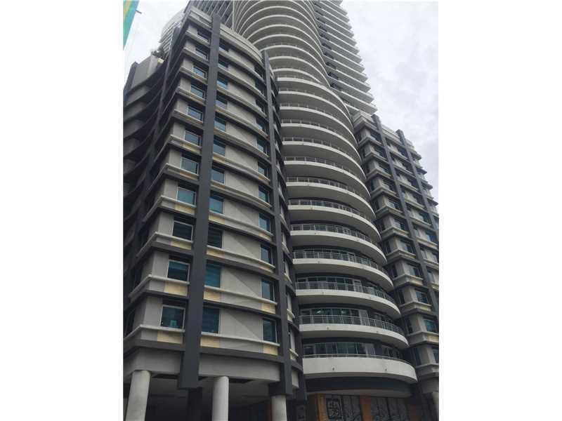 60 SW 13th St #1613, Miami, FL 33130 (MLS #A10166641) :: United Realty Group