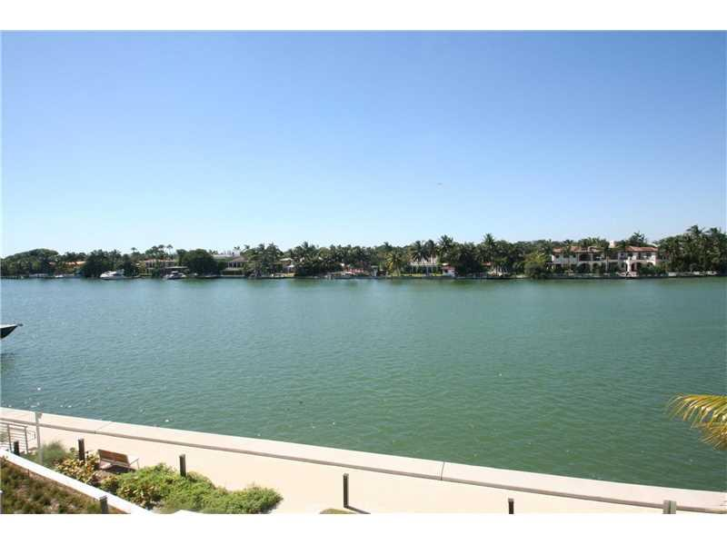 6620 Indian Creek #311, Miami Beach, FL 33141 (MLS #A10167926) :: United Realty Group