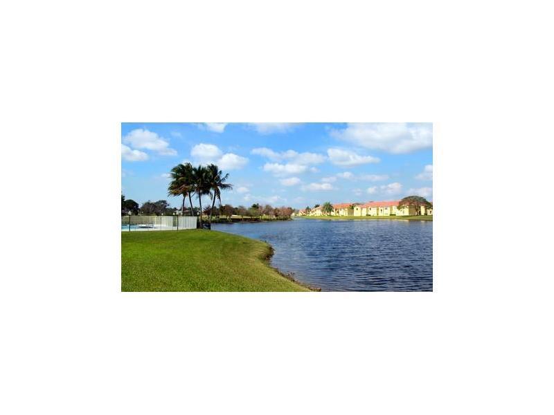 12760 Vista Isles Dr #713, Sunrise, FL 33325 (MLS #A10175896) :: United Realty Group