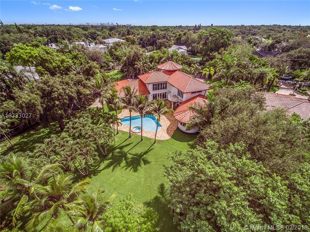 10600 SW 69th Ave, Pinecrest, FL 33156 (MLS #A10333027) :: The Teri Arbogast Team at Keller Williams Partners SW