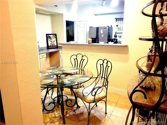 533 NE 3rd Ave #215, Fort Lauderdale, FL 33301 (MLS #A10337924) :: The Teri Arbogast Team at Keller Williams Partners SW