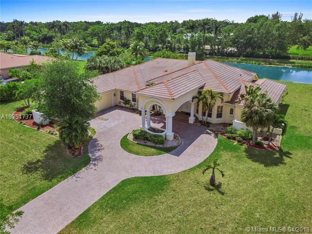 13386 Majestic Way, Cooper City, FL 33330 (MLS #A10351737) :: Green Realty Properties