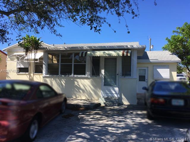 1011 N D St, Lake Worth, FL 33460 (MLS #A10374033) :: Green Realty Properties