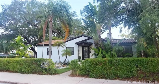 135 Ponce De Leon Blvd, Coral Gables, FL 33134 (MLS #A10412808) :: The Riley Smith Group