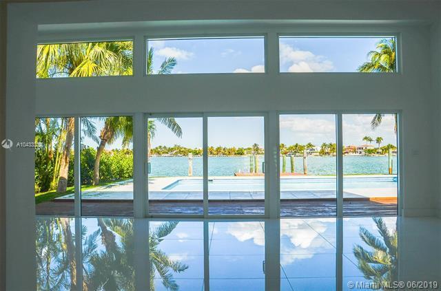 1215 N Biscayne Point Rd, Miami Beach, FL 33141 (MLS #A10433330) :: The Brickell Scoop