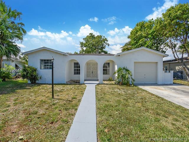 770 SW 50th Ave, Margate, FL 33068 (MLS #A10439066) :: Stanley Rosen Group
