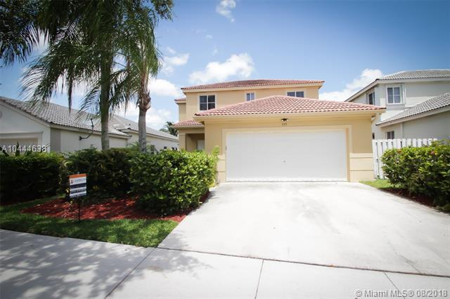 705 Tanglewood Cir, Weston, FL 33327 (MLS #A10444638) :: Green Realty Properties