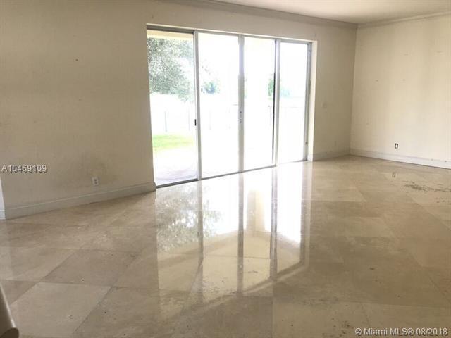 104 Ibisca Ter, Royal Palm Beach, FL 33411 (MLS #A10469109) :: Stanley Rosen Group