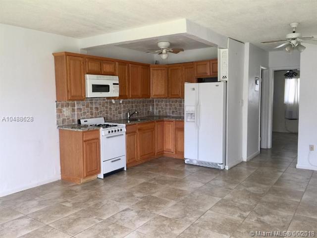301 E Mcnab Rd #114, Pompano Beach, FL 33060 (MLS #A10488628) :: The Riley Smith Group