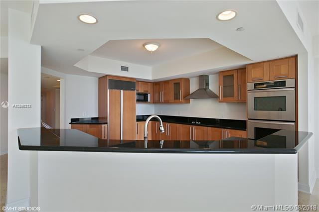 3301 NE 183rd St #1103, Aventura, FL 33160 (MLS #A10496318) :: Ray De Leon with One Sotheby's International Realty