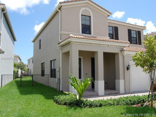 605 NE 191st St, Miami, FL 33179 (MLS #A10497318) :: Green Realty Properties