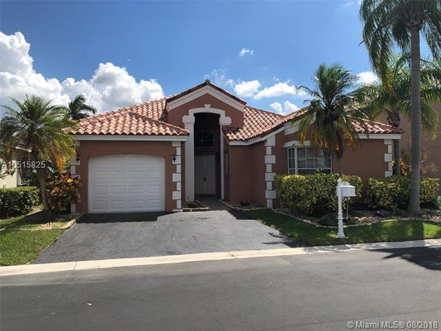 527 Bridgeton Rd, Weston, FL 33326 (MLS #A10515825) :: The Teri Arbogast Team at Keller Williams Partners SW