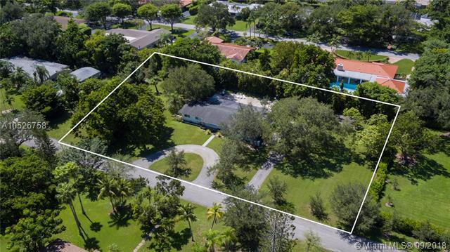 12100 SW 69th Ct, Pinecrest, FL 33156 (MLS #A10526758) :: Green Realty Properties