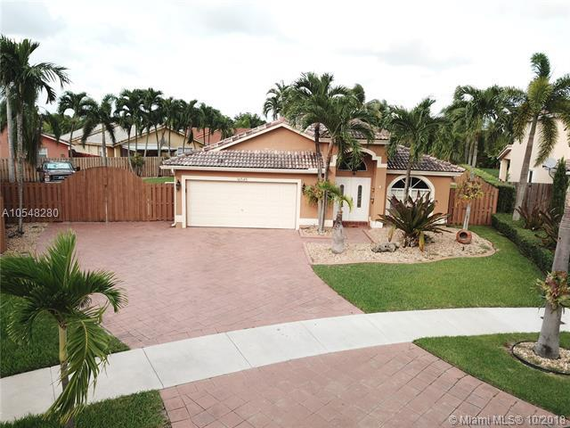 16545 SW 100th Ter, Miami, FL 33196 (MLS #A10548280) :: Green Realty Properties