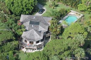 4081 NE Sugarhill Ave, Jensen Beach, FL 34957 (MLS #A10559234) :: The Riley Smith Group
