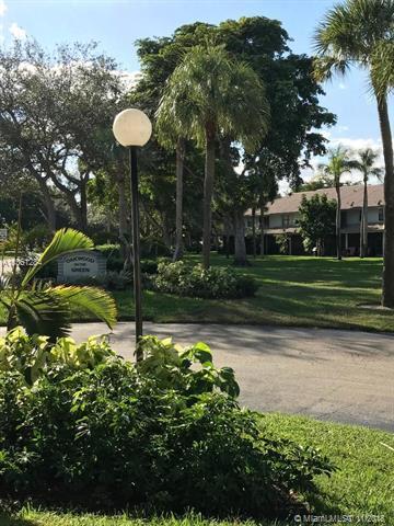 9807 Riverside Dr 52-5, Coral Springs, FL 33071 (MLS #A10561284) :: The Riley Smith Group