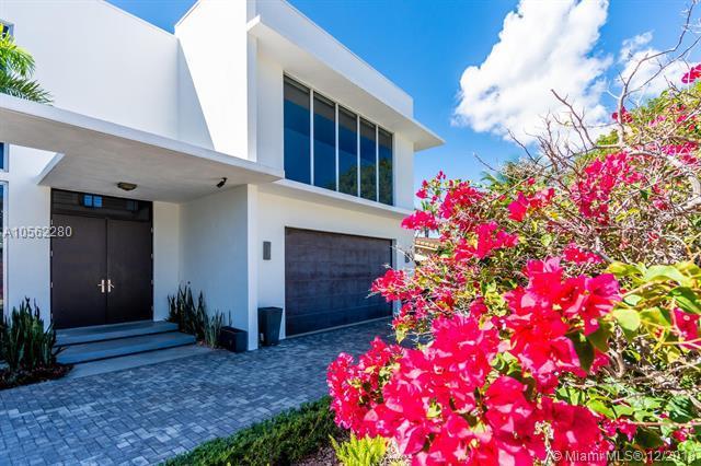 284 NE 7th St, Boca Raton, FL 33432 (MLS #A10562280) :: Miami Villa Team
